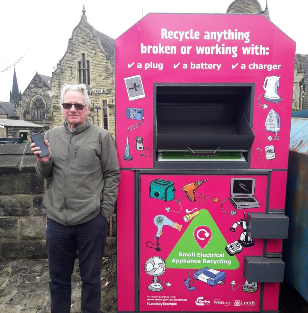 weee recycling bank mobile phone recovered